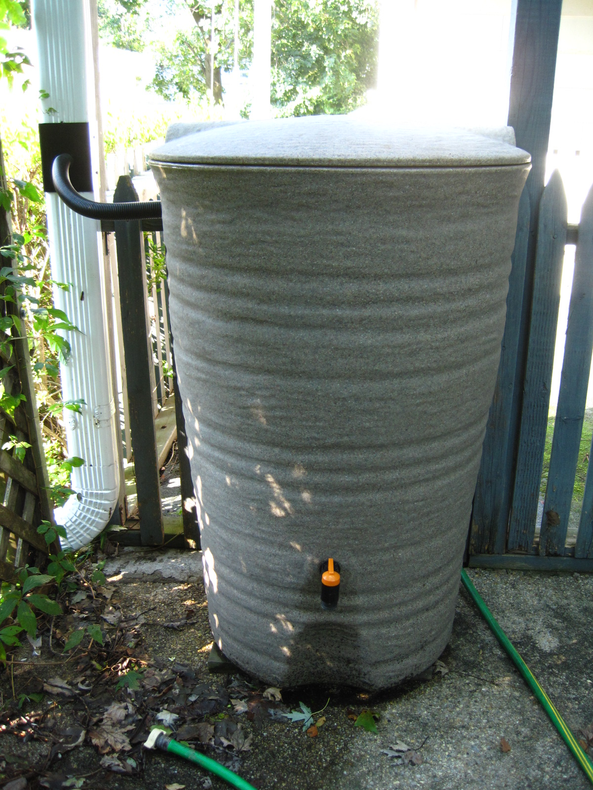 Granite Textured Rain Barrel