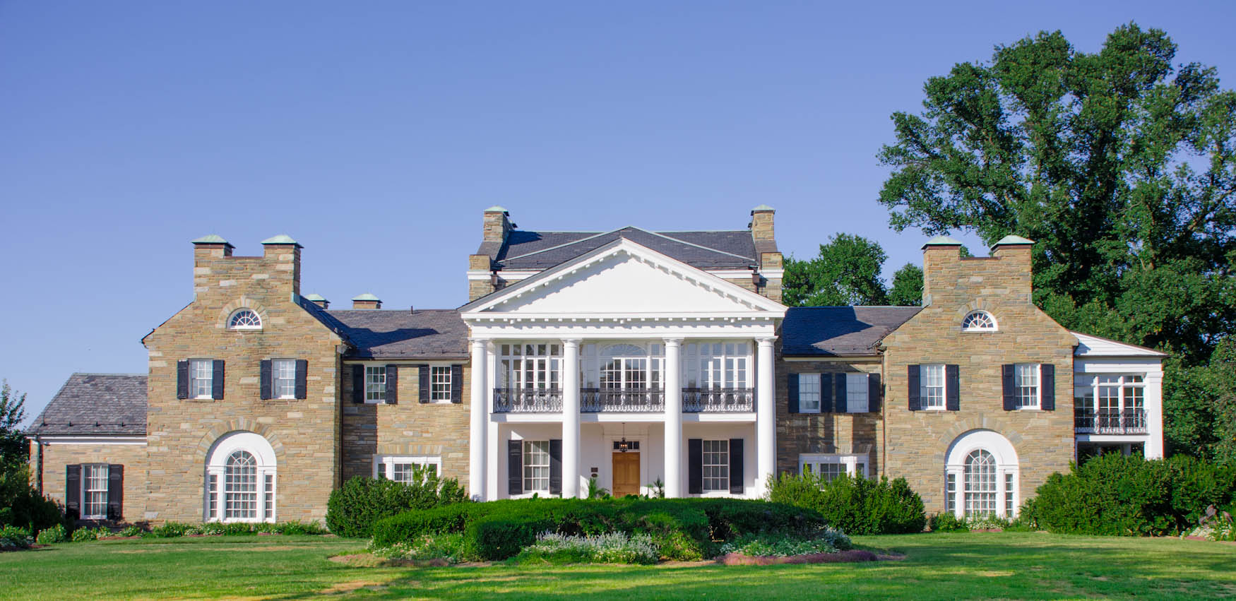 Color Image - Glenview Mansion.jpg